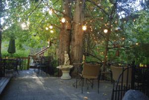 Eagle Creek Winery Treehouse Pacific Northwest Getaways
